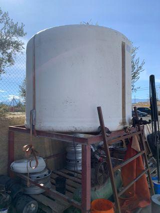 Vendo depósito o cuba de gasoil