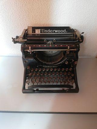 Maquina escribir Underwood, Made In USA