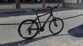 Bicicleta BH Over X restaurada