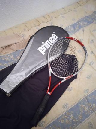 Raqueta de tenis de la marca Prince