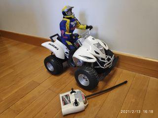 R/C Suzuki Z400 Quad Tayo Bizak + Piloto