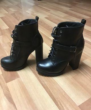 Zapatos tacón nuevos