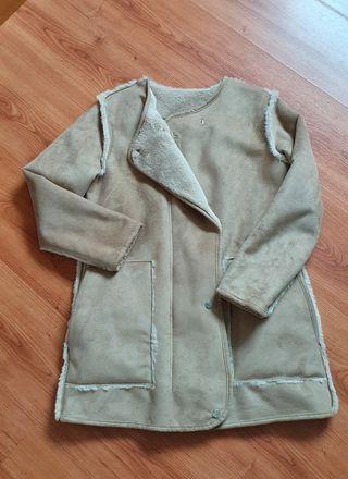 Abrigo tipo pelliza