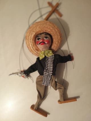 Marionetas payaso y mariachi