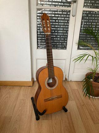 Guitarra Española + Funda + Pie