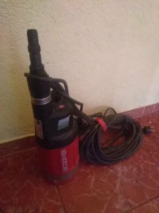 bomba de agua eléctrica