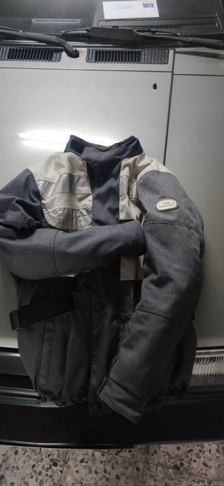 chaqueta de moto BMW talla M, en perfecto estado