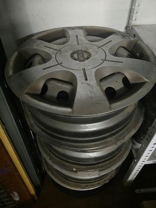 llantas de acero originales de Nissan Primastar