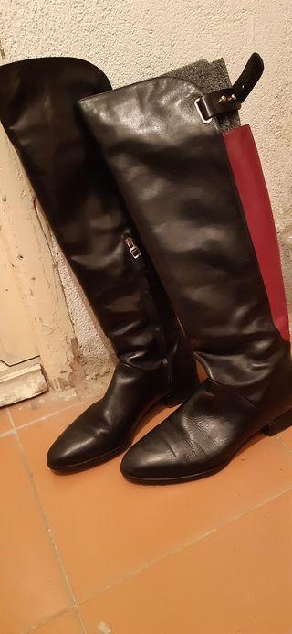 Botas piel negra Uterqüe