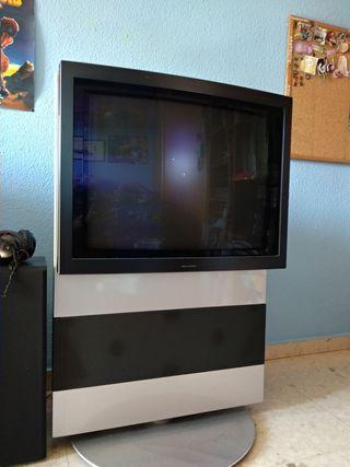 TV Bang & Olufsen CRT modelo AV5