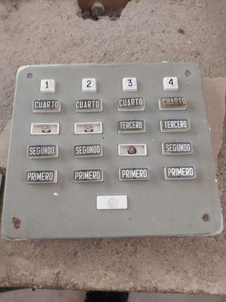 timbre bloque de pisos antiguo