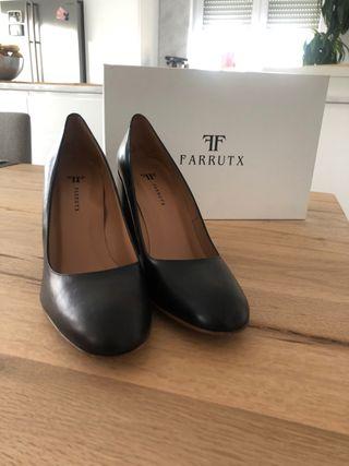 Zapatos salón negros Farrutx