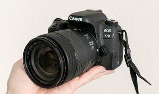 Canon Eos 77D + 18 135