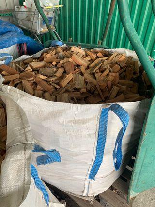 Astillas de pino resinero