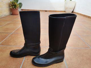 botas negras de agua marca zara