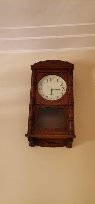 caja de reloj de pared antiguo