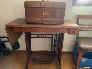 Maquina de coser Alpha