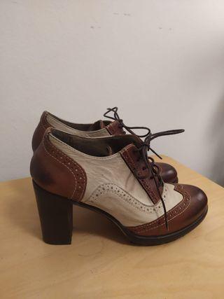 Zapatos Oxford de tacón