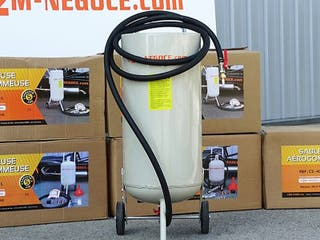 Arenadora 44 litros con embudo integrado