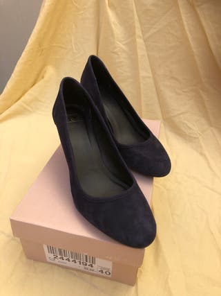 Zapatos terciopelo azul 3€