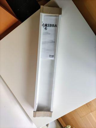 Estante para cuadros RIBBA de Ikea.