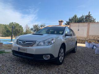 Subaru Legacy Outback 2011