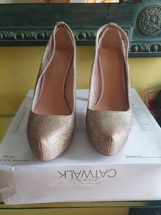 zapato fiesta dorados