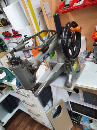 máquina coser Zapatero