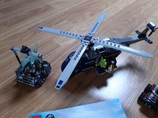 Lego Jurassic World Persecución en helicóptero de