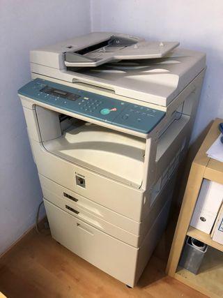Impresora fotocopiadora Canon IR 2000