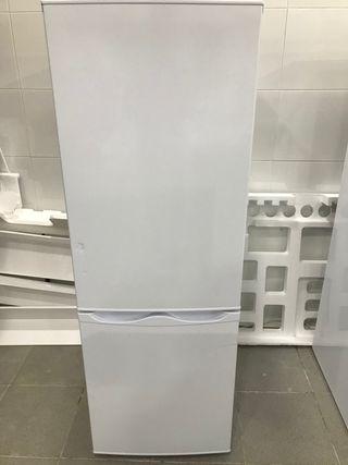 COMBI (refrigerador congelador)