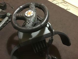 Volante y pedales para consola / ordenador