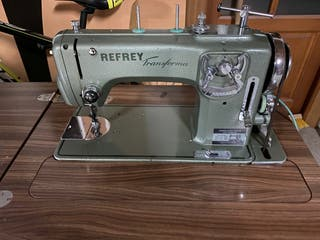 Vendo máquina de coser Refrey Transforma