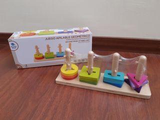 juguete madera apilable de formas geométricas