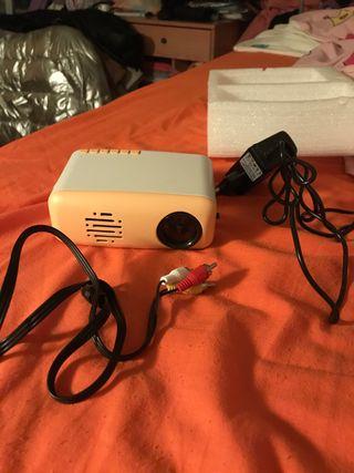 proyector de cine mini.