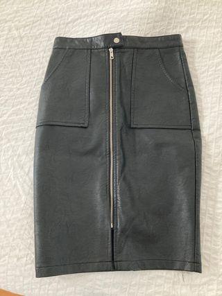 """Falda negra de """"piel"""""""