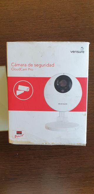 Cámara de seguridad CloudCam Pro Verisure