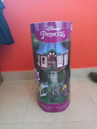 torre de Rapunzel y muñecos nuevo