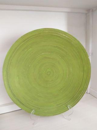 Plato redondo decorativo de color verde