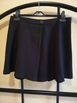 Falda Bermuda negra Zara