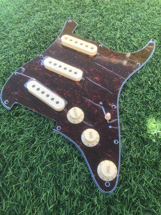 Pickguard guitarra stratocaster