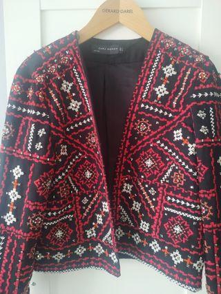 chaqueta etnica de Zara