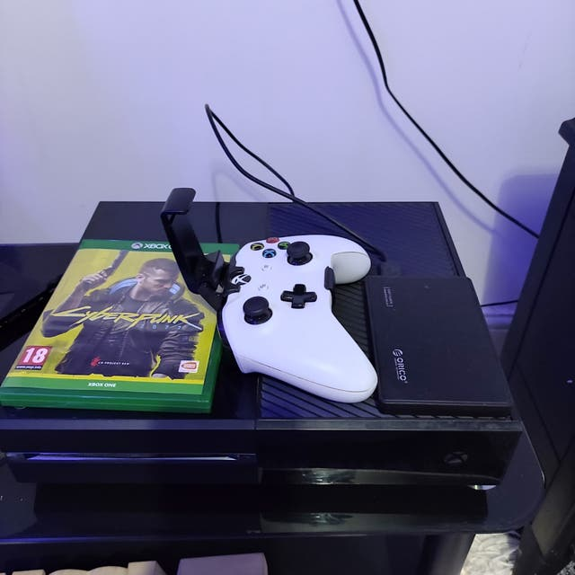 Xbox one 1.5tb ,nice bundle