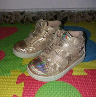 Zapatillas Tipo Botita