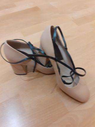 Zapato tacón de Mango talla 37