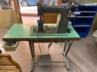 Maquina de coser aparadora Seiko