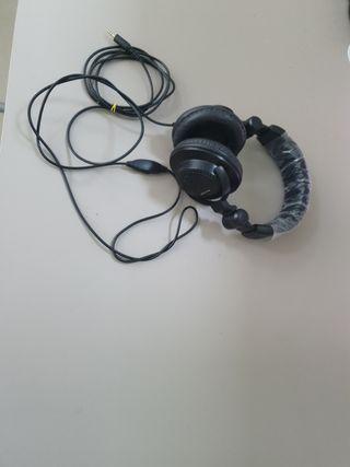Auriculares Stereo practicamente nuevo