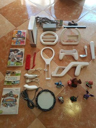 Consola Nintendo Wii+ 4 Juegos+ Muchos accesorios.