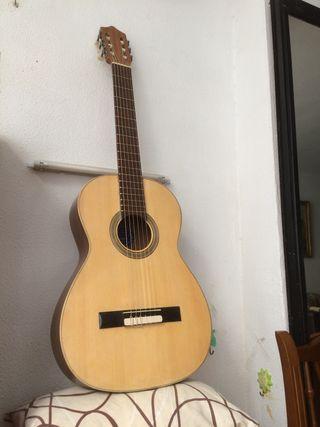 Guitarra de Ramírez.