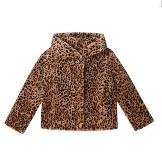 Abrigo leopardo pelo stradivarius